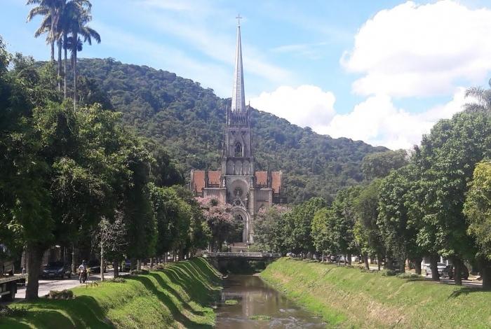 Passeio pelo Centro Histórico de Petrópolis é programa obrigatório para conhecer as belezas da região