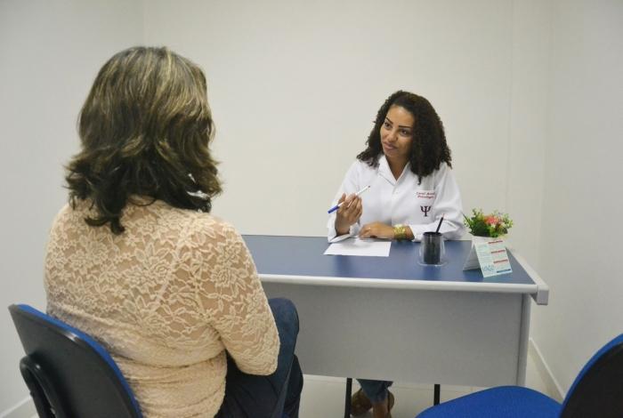 As consultas são feitas por acadêmicos de Psicologia, com supervisão
