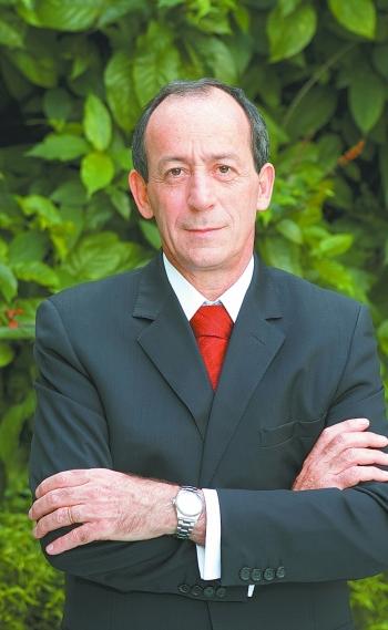 Jo�o Tancredo, colunista do DIA