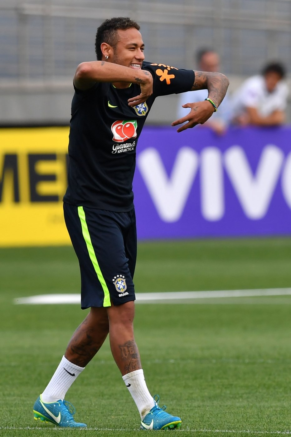 Brazil's team player Neymar gestures during a training session at the Gremio team training centre in Porto Alegre, Brazil on August 28, 2017 ahead of their 2018 FIFA Russia World Cup qualifier match against Ecuador on August 31. / AFP PHOTO / NELSON ALMEIDA