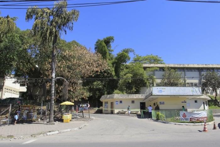 Rio, 30/08/2017- Hospital da Posse,Nova Iguaçu. Foto - Maíra Coelho / Agência O Dia  CIDADE, FACHADA , SAPATO , ATENDIMENTO,DOENTE, BAIXADA