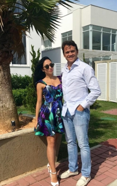 Ana Petkovic, cantora, com o pai, o jogador Petkovic