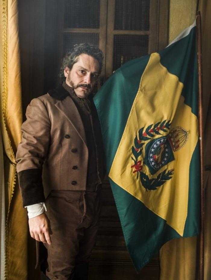 Os Filhos da Pátria, minissérie da Globo, com Alexandre Nero