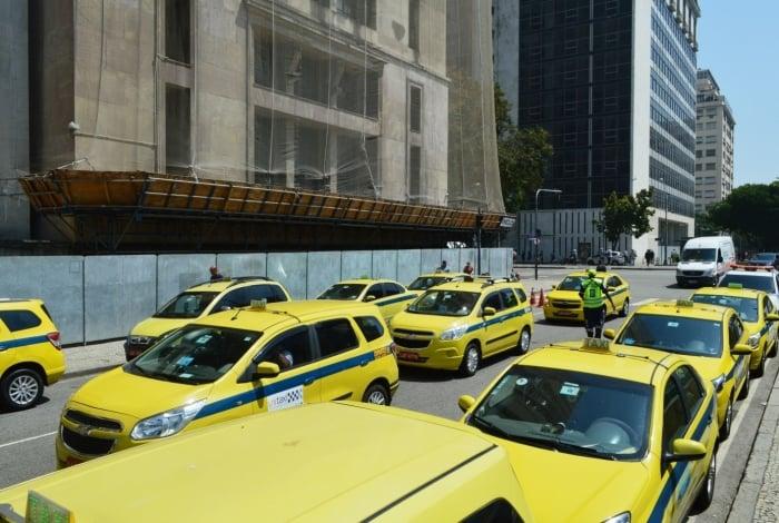 Prefeitura do Rio divulgou lista com auxiliares de táxi recadastrados