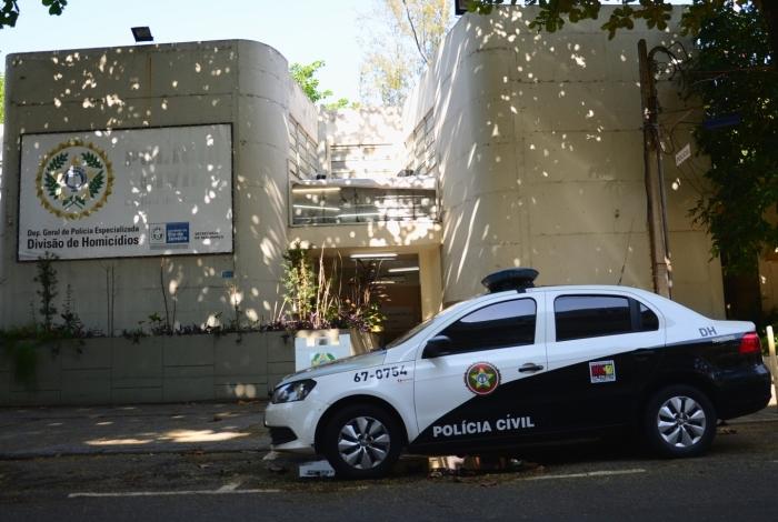 Crime aconteceu na casa da vítima, em Santíssimo, no último 9 de maio