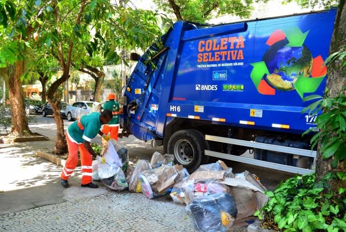A coleta seletiva, feita pela Comlurb, já é uma realidade em mais de 100 bairros do Rio, o que torna a separação do lixo caseiro tão importante
