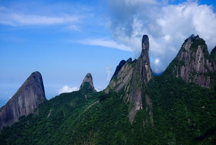 Parque Nacional da Serra dos Órgãos tem o Dedo de Deus como símbolo