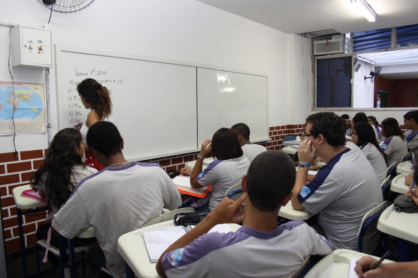 Prefeitura do Rio quer que profissionais de Educação retornem às escolas na quarta-feira