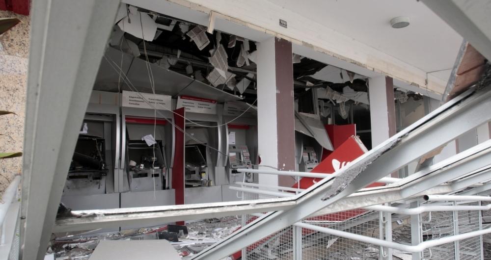Ataques a caixas eletrônicos têm sido cada vez mais constantes em todo o estado. Além de agências bancárias, explosões têm ocorrido em supermercados, hotéis e até hospitais