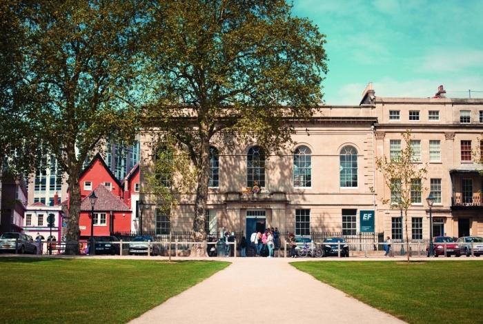 A sede da EF Education First em Bristol, na Inglaterra: um dos destinos de intercâmbio para brasileiros que pretendem estudar no Exterior
