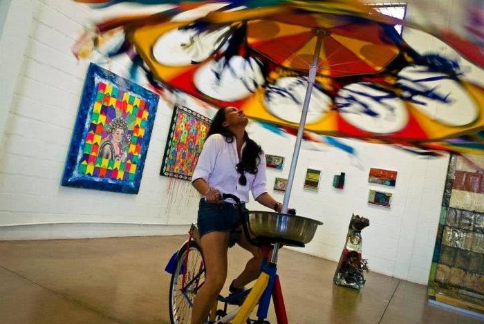 A 'Bicicleta Voadora', de Deneir Martins, vai marcar presença no 'Alma da Baixada'. Além dela, Marcelo Griot