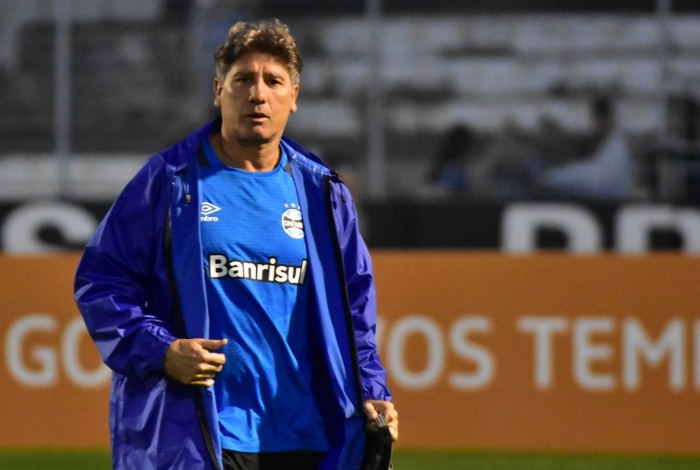 Técnico Renato Gaúcho também reclamou do VAR