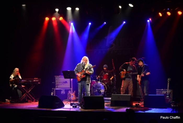 Entre os shows, apresentações dos Ramblim Brotheres (acima) e do guitarrista Victor Biglione (abaixo)