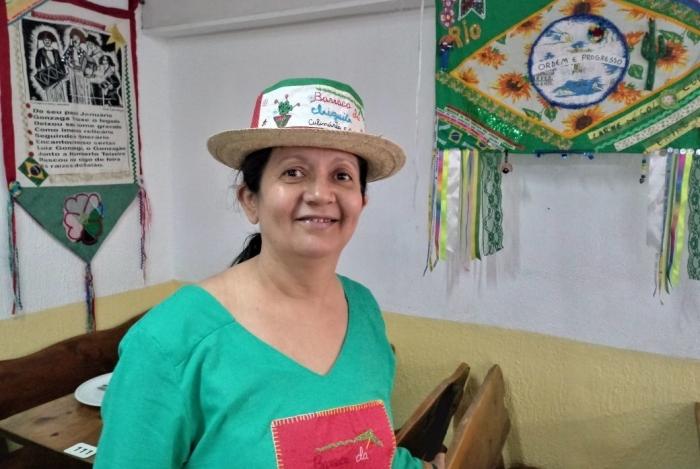 Francisca Alda Dias, ou Chiquita, é dona da  Barraca da Chiquita