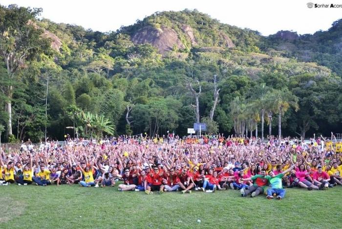 Festa de Natal da ONG Sonhar Acordado faz a alegria de 1.200 crianças carentes do Grande Rio