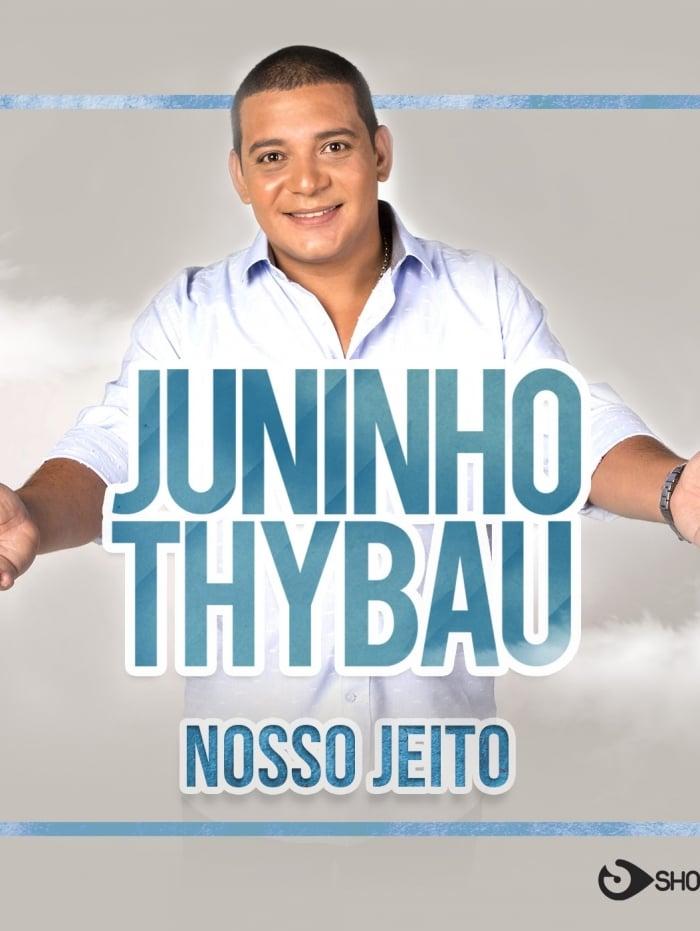 Sobrinho de Zeca Pagodinho, Juninho Thybau faz o show Evento Na Porta de Casa, na porta de sua casa no Irajá