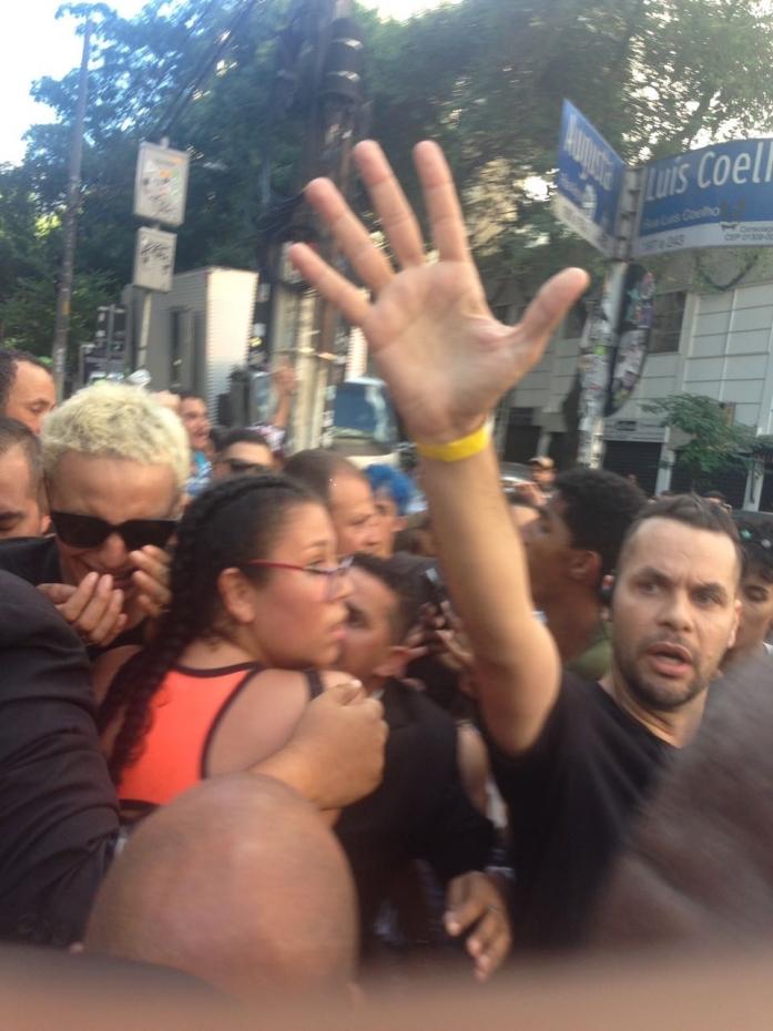 Pabllo Vittar desesperada em São Paulo