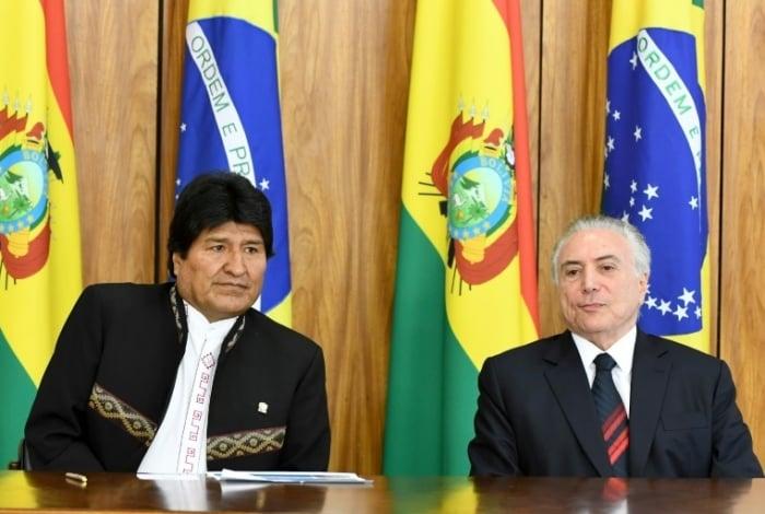 O presidente boliviano Evo Morales e o seu contraparte brasileiro Michel Temer, no Palácio do Planalto, em Brasília, no dia 5 de dezembro de 2017 - AFP