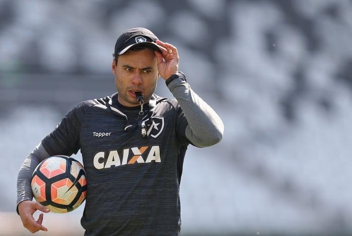 Jair Ventura deixou o Botafogo após o fim do Brasileiro de 2017