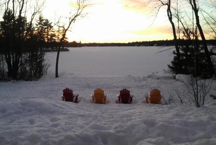 Só neva se não estiver muito frio, mas é a baixa temperatura que conserva a neve e permite o acúmulo