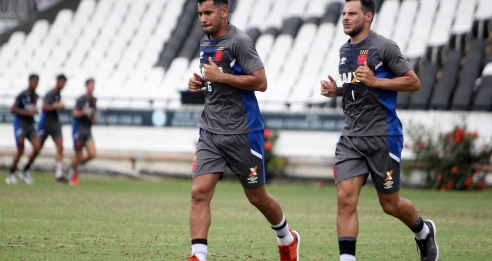 Andres Rios e Des�bato no treino do Vasco, em S�o Janu�rio