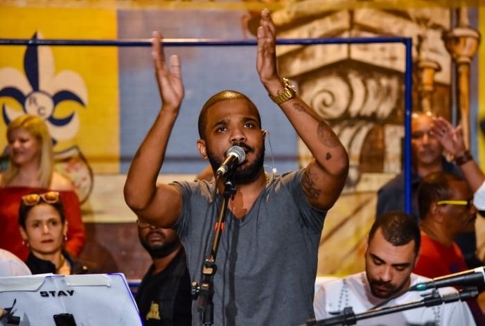 Arlindinho faz show em Mangaratiba -  Projeto Curta Praia - Grátis