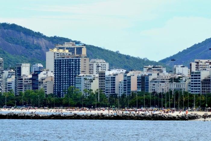 Policiais federais aguardaram a atracação da embarcação, na Marina da Glória, Zona Sul do Rio, para efetuar a prisão