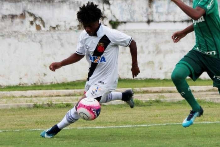 Lucas Santos é uma das promessas da base do Vasco