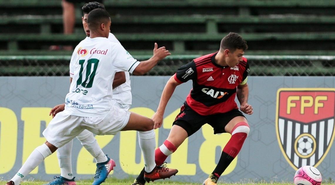 Flamengo derrotou a Portuguesa e se garantiu na final da Copinha