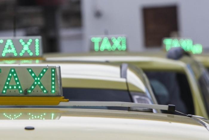Prefeitura autoriza o uso da bandeira 2 por taxistas no fim de ano