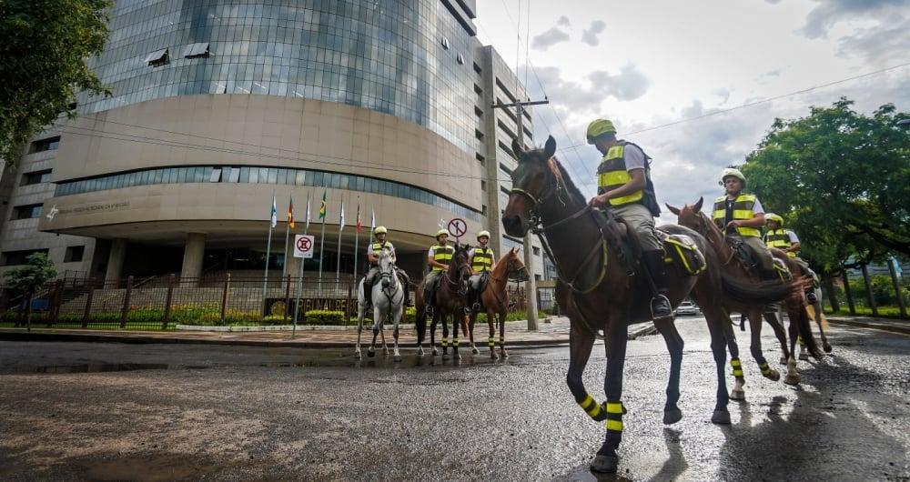 Mais de 3.500 policiais reforçam a segurança em Porto Alegre
