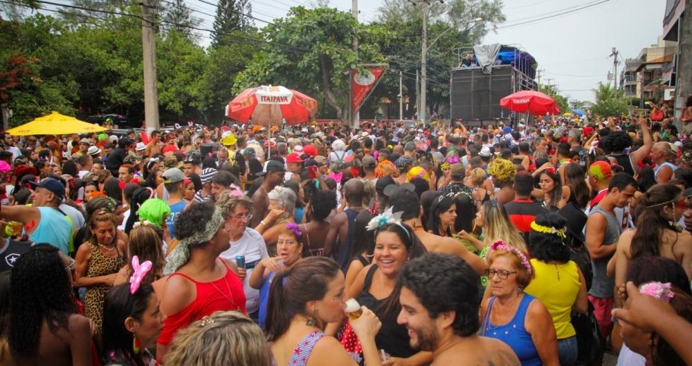 A anima��o nos munic�pios vai ficar por conta de v�rios trios el�tricos e tamb�m blocos e escolas de samba