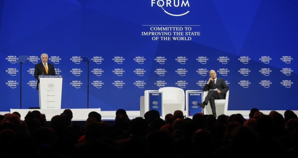 """Em discurso no Fórum Econômico Mundial, Temer diz que """"não aceita mais"""" ser alvo de dúvidas sobre suspeitas de corrupção em seu governo"""