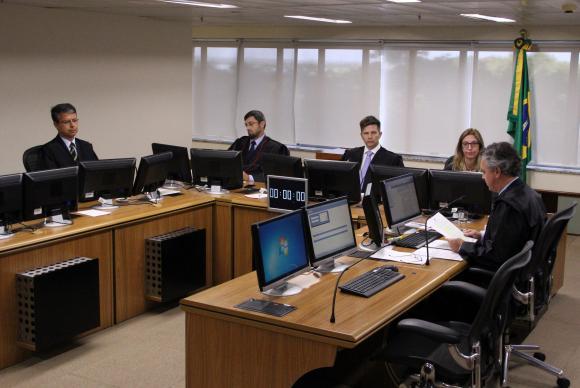 TRF4 julga recurso da defesa do ex-presidente Luiz Inácio Lula da Silva