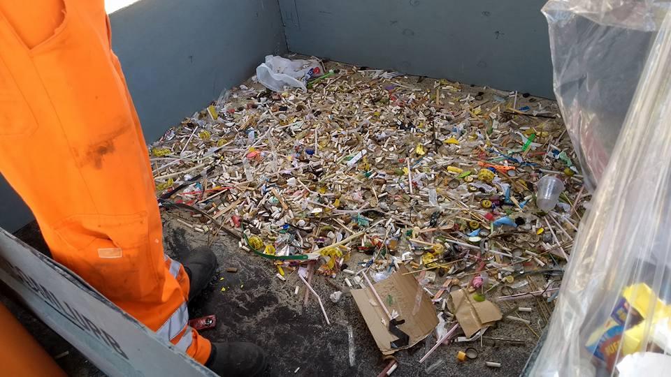 Dos resíduos em Copacabana, havia 4.600 guimbas de cigarro