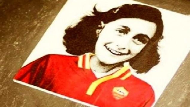 Imagem de Anne Frank com a camisa da Roma