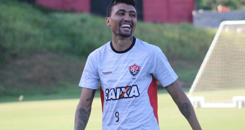 Kieza é esperado no Rio para realizar exames e assinar com o Botafogo