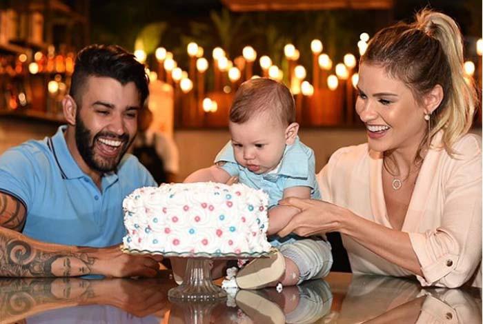 Gusttavo Lima e Andressa Su�ta revelam sexo de 2� beb� do casal