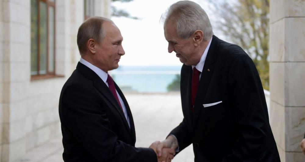 O presidente reeleito tcheco Milos Zeman, um político pró-Rússia
