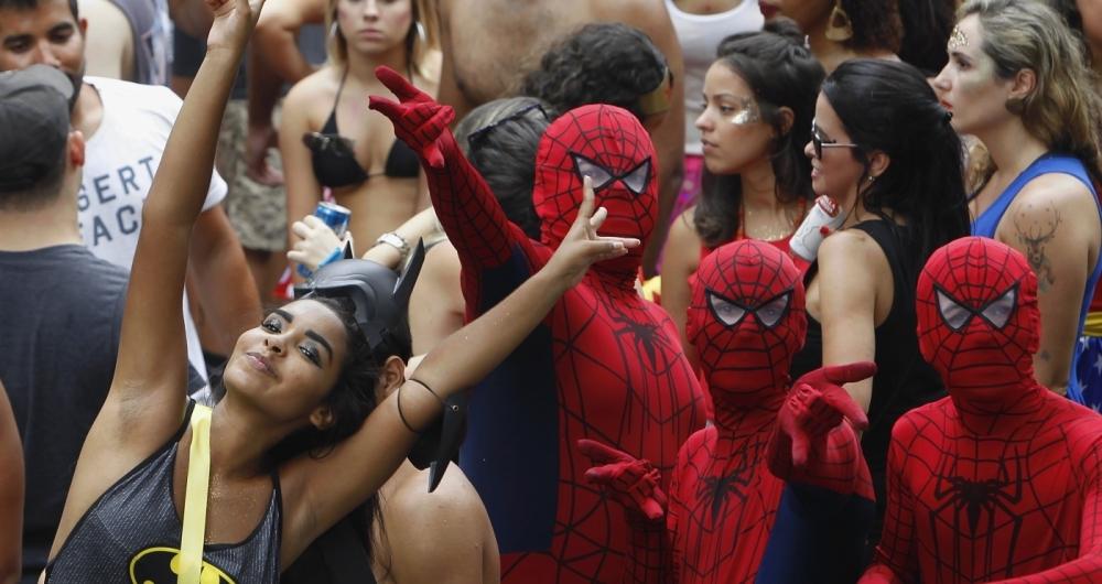 Bloco desliga da Justi�a na pra�a Santos Dumont na Gavea Silva Agencia O Dia