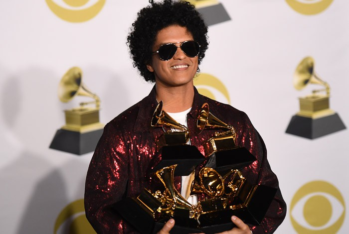 Bruno Mars levou as tr�s principais categorias da noite: can��o do ano (Thats What I Like), disco do ano (24K Magic) e melhor grava��o (a faixa 24K Magic)