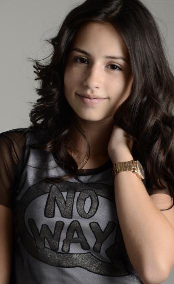Bianca Paiva foi a escolhida para fazer a fase adolescente de Edna Macedo, irm� de Edir Macedo, no filme