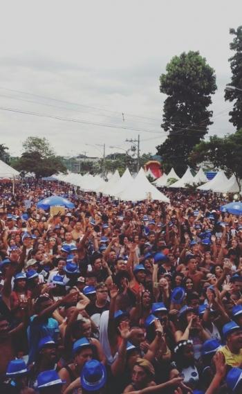 Bloco 'Tamo Junto' reuniu cerca de 100 mil pessoas neste domingo