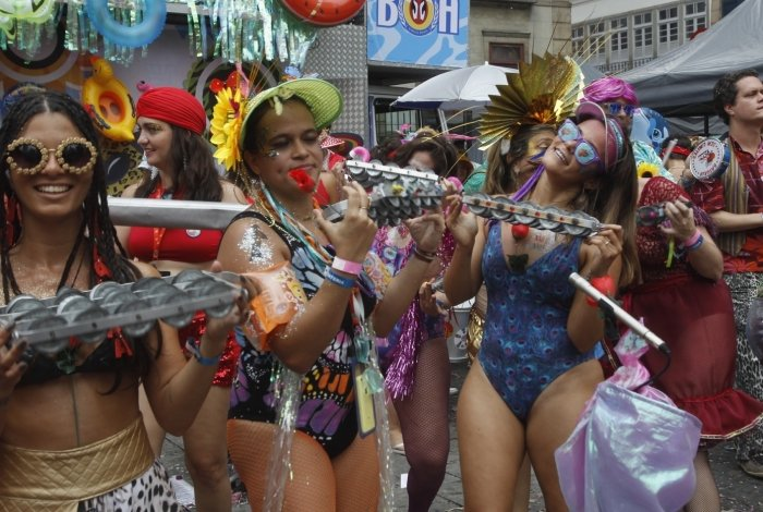 Blocos de carnaval do Rio de Janeiro atraem turistas em busca de aluguel por temporada