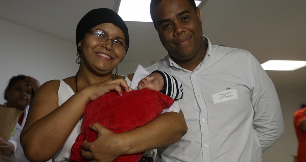 O pequeno Antônio deixou o hospital, na tarde desta segunda-feira, após 23 dias internados