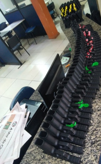 Cinco bandidos são presos com 40 pistolas e 80 carregadores