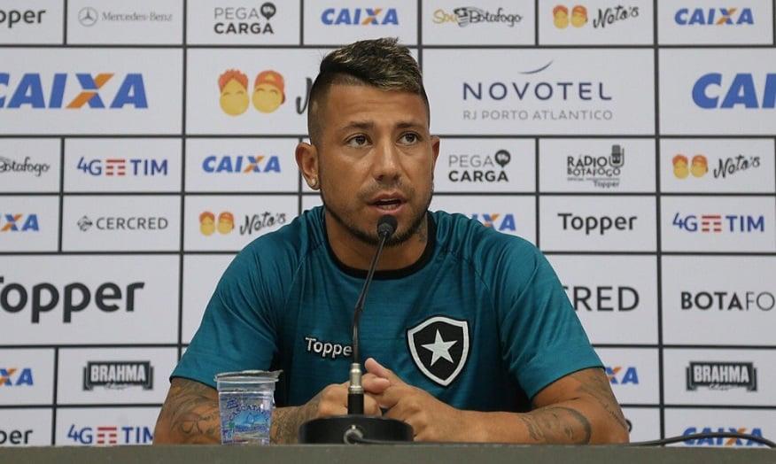 Leo Valencia garantiu cabe�a na Copa do Brasil