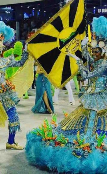 Desfile da Escola de Samba São Clemente: fantasias do casal de mestre-sala e porta-bandeira foram feitas pelo ateliê de Murilo Moura