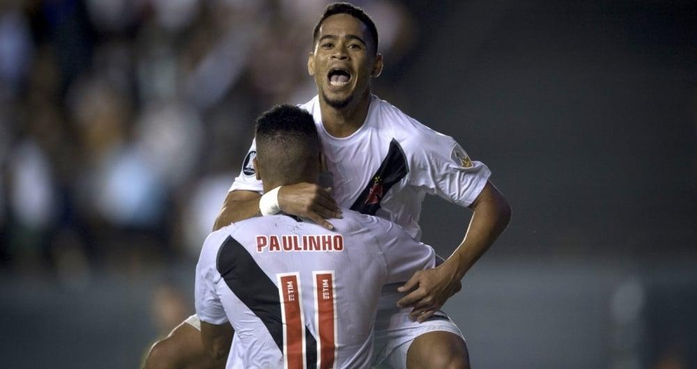 Pikachu e Paulinho fizeram os gols do Vasco