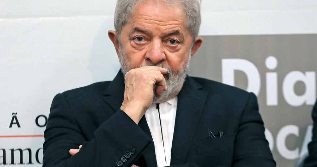 Semblante descontraído do ex-presidente Lula foi substituído pela tensão à medida em que Rosa Weber proferia seu intrincado voto, segundo aliados